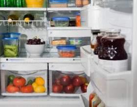 Как удалить запах из холодильника фото