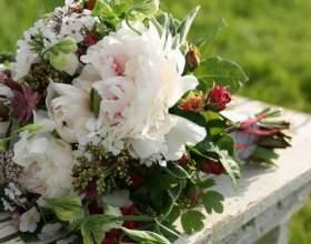 Как украсить праздничный стол цветами фото