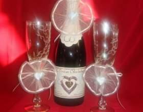 Как украсить шампанское на свадьбу фото