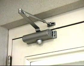 Как установить доводчик двери фото
