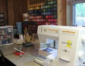 Как вставить нить в швейную машину фото