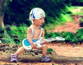 Как выбрать игрушечную гитару для ребенка фото