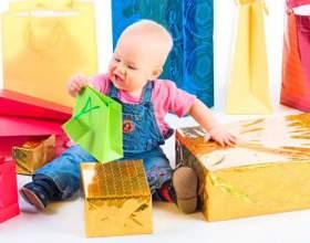 Как выбрать подарок ребенку от 0 до 1 года фото