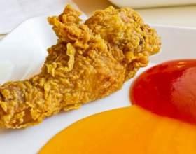 Как запечь курицу в духовке с травами фото