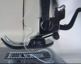 Как заправить швейную машинку фото