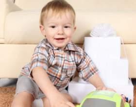 Какие игрушки давать ребенку после года фото