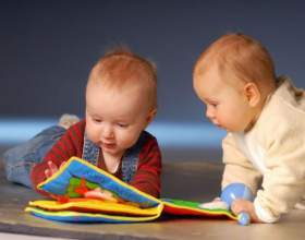Какие игрушки нужны детям в 6 месяцев фото