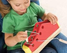 Какие игрушки развивают у детей моторику рук фото