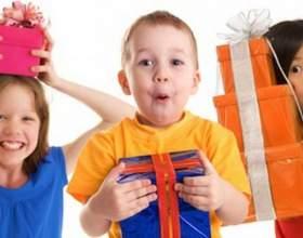 Какие подарки дарить двухлетним детям фото