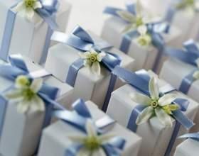 Какой подарок можно подарить на свадьбу фото