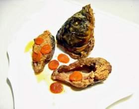Карп, фаршированный грибами и капустой фото