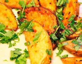 Картошка, запеченная в духовке вкусно кусочками фото