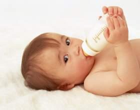 Кормить ли ребенка сцеженным грудным молоком фото