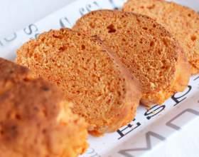 Красный хлеб с паприкой фото