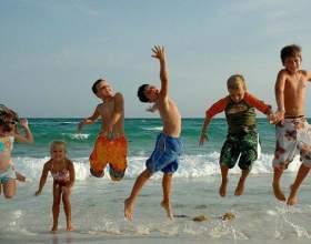 Куда отправить отдыхать ребенка на летние каникулы фото