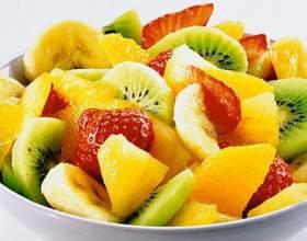Легкий вкусный фруктовый десерт. фото