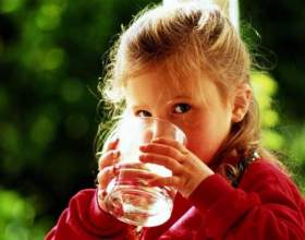 Можно ли пить минеральную воду детям: за и против фото