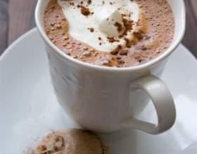 Напиток для влюбленных - горячий шоколад фото