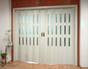 Насколько практичны межкомнатные двери гармошкой фото