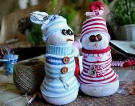 Новогодние подарки своими руками: делаем снеговика фото