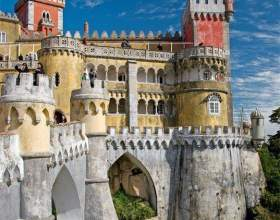 Отдых в португалии. город синтра фото