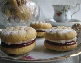 Печенье с кремом и джемом фото