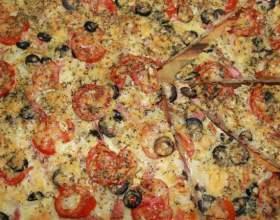Пицца с колбасой русской и домашним майонезом фото