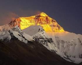 Почему никто не может покорить гору кайлас в тибете фото