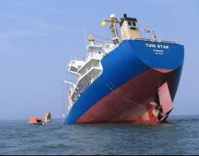 Почему тонут корабли фото