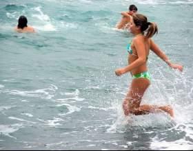 При какой температуре воды можно купаться фото