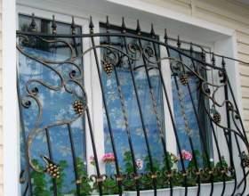 Решетки или бронепленка на окнах - что эффективнее? фото