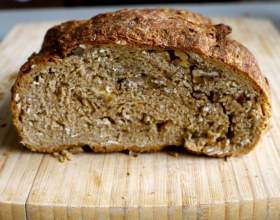 Ржаной хлеб с отрубями и семечками фото