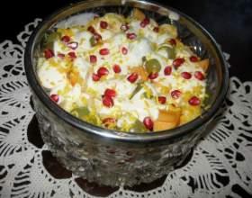 Салат из фруктов с кукурузными хлопьями фото