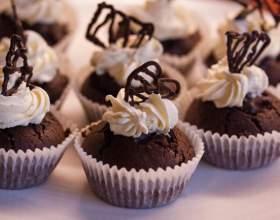 Шоколадное печенье с начинкой из сливок фото