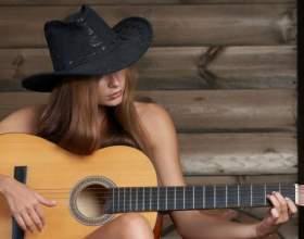 Как настроить гитару (3 способа) фото