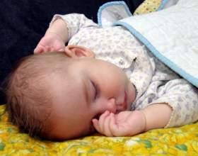 Как отучить ребенка спать на руках фото