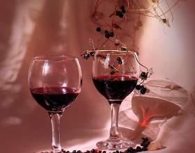 Как приготовить черноплодное вино фото