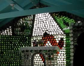 Как построить дом из бутылок фото