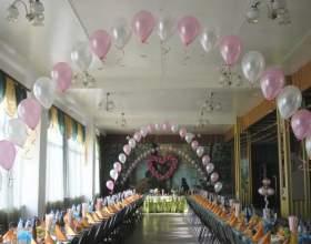 Как украсить зал воздушными шарами фото