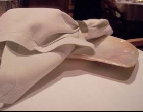 Как уложить бумажные салфетки в салфетницу фото