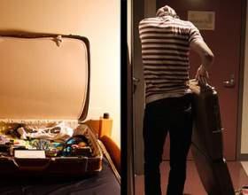Как выселить человека из квартиры фото
