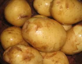 Как запечь в духовке картофель фото