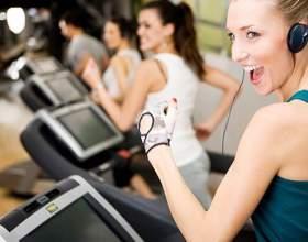 Стоит ли дарить девушке абонемент в спортзал фото