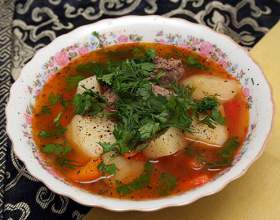 Суп из говядины и ветчины фото