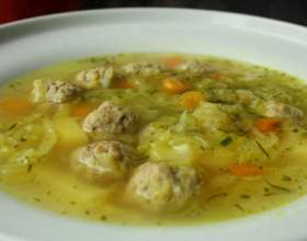 Суп с фрикадельками и овощами фото