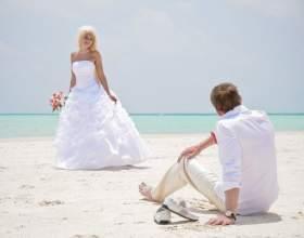 Свадьба на пляже: какой наряд выбрать невесте фото
