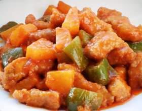 Свинина в кисло-сладком соусе с ананасами фото