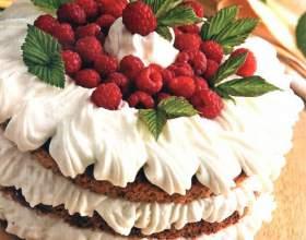 Торт «малиновый» с мятой фото
