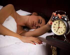 Уловки, которые помогут научиться рано вставать фото