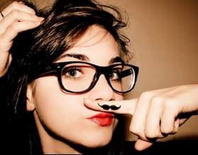 Усы у девушек: причины возникновения фото